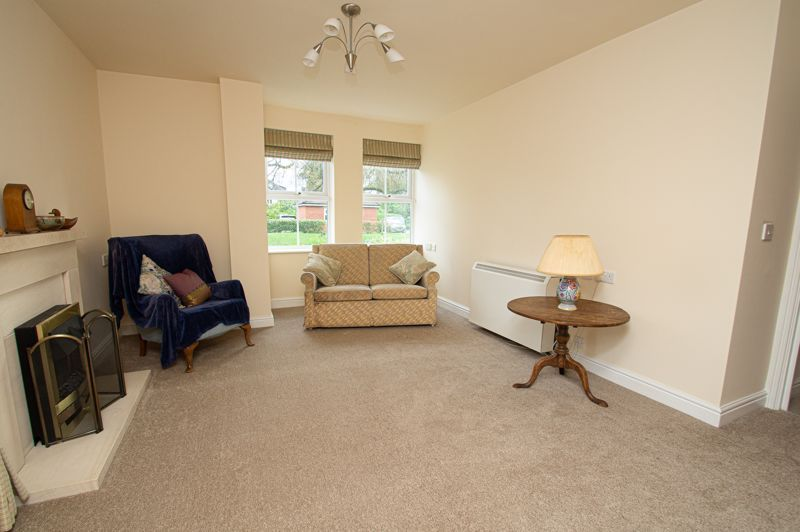 2 bed flat for sale in College Road  - Property Image 3