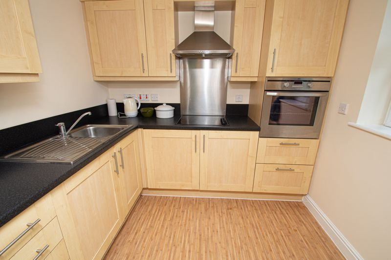 2 bed flat for sale in College Road 4