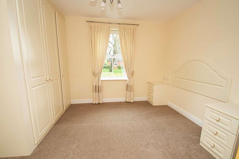 2 bed flat for sale in College Road  - Property Image 5