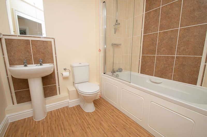 2 bed flat for sale in College Road  - Property Image 7
