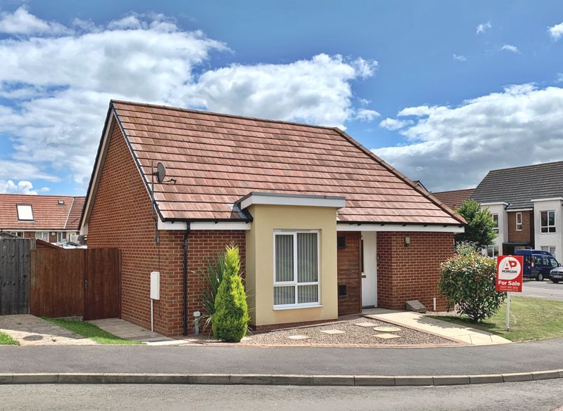 2 bed bungalow for sale in Oldfield Road 1