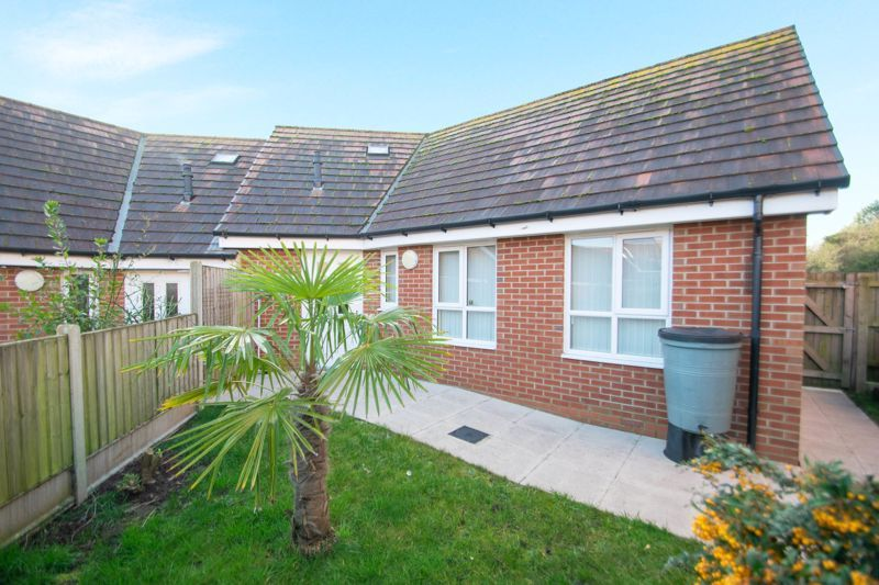 2 bed bungalow for sale in Oldfield Road 11