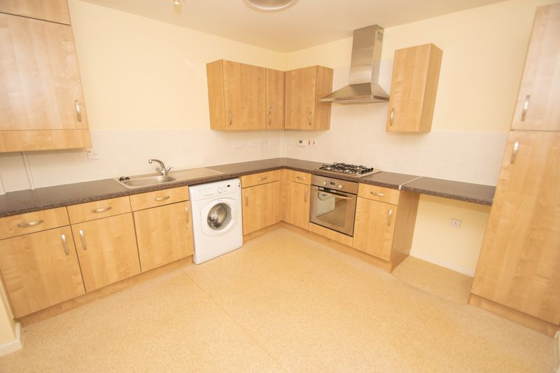 2 bed bungalow for sale in Oldfield Road 3