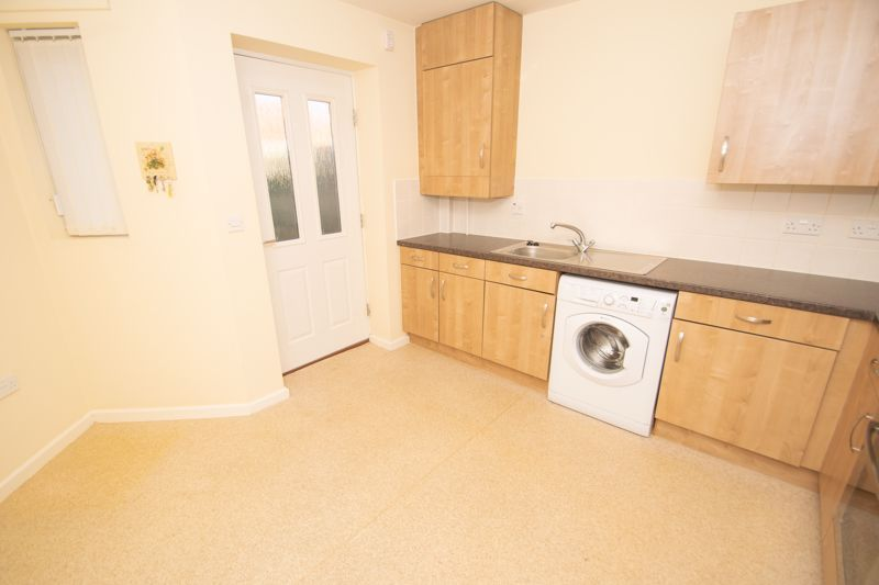 2 bed bungalow for sale in Oldfield Road  - Property Image 4