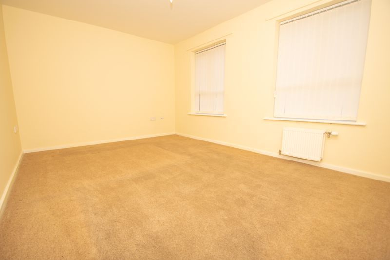 2 bed bungalow for sale in Oldfield Road  - Property Image 7