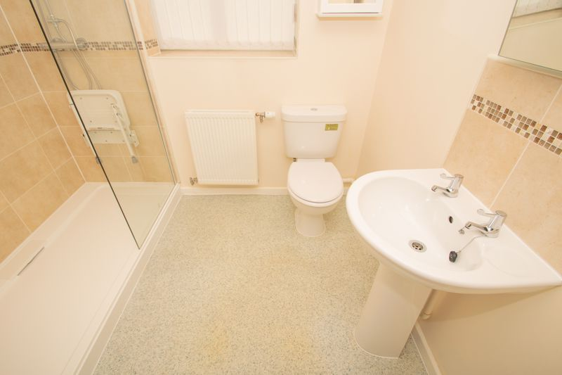2 bed bungalow for sale in Oldfield Road  - Property Image 9
