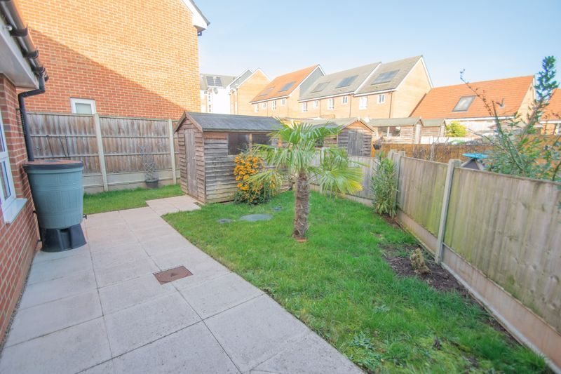 2 bed bungalow for sale in Oldfield Road  - Property Image 10