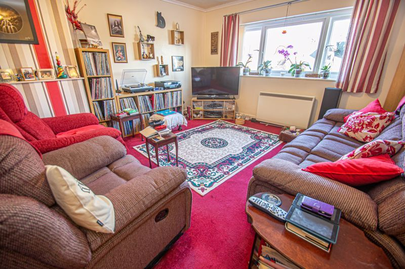2 bed flat for sale in Golden Cross Lane  - Property Image 2