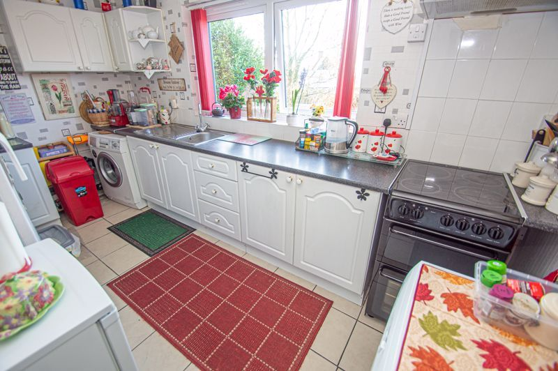 2 bed flat for sale in Golden Cross Lane  - Property Image 5