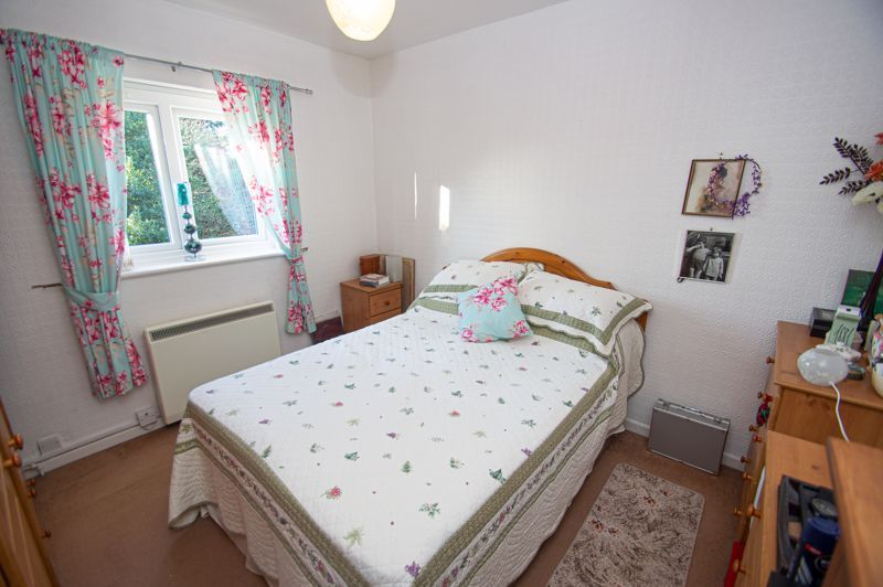 2 bed flat for sale in Golden Cross Lane  - Property Image 7