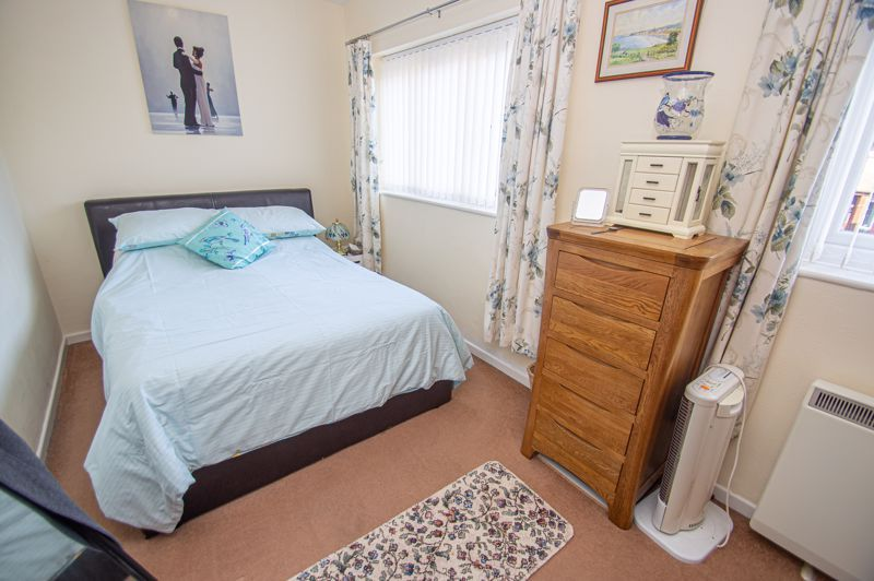 2 bed flat for sale in Golden Cross Lane 8