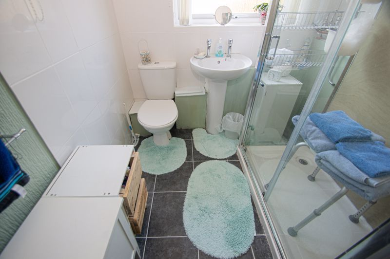 2 bed flat for sale in Golden Cross Lane 10