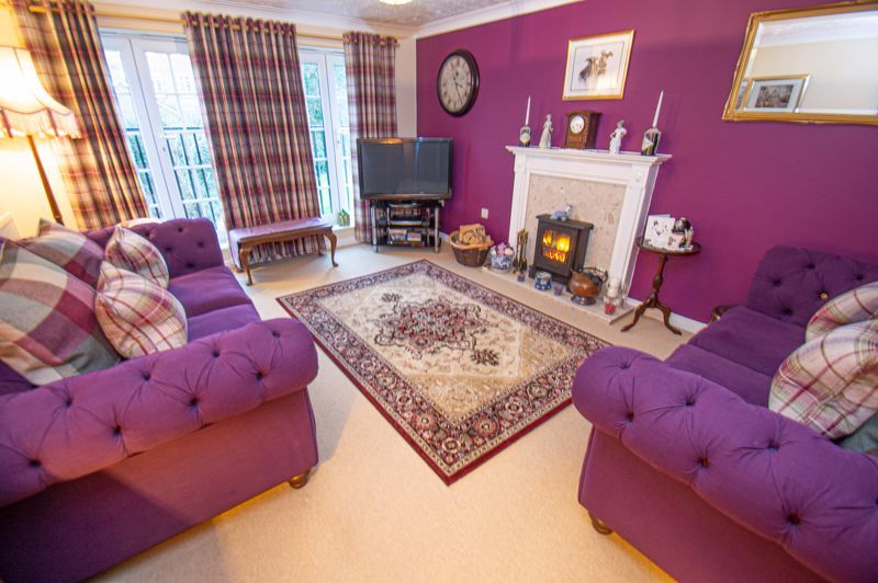 3 bed house for sale in Pastorale Road  - Property Image 2