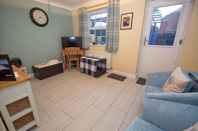 3 bed house for sale in Pastorale Road  - Property Image 5