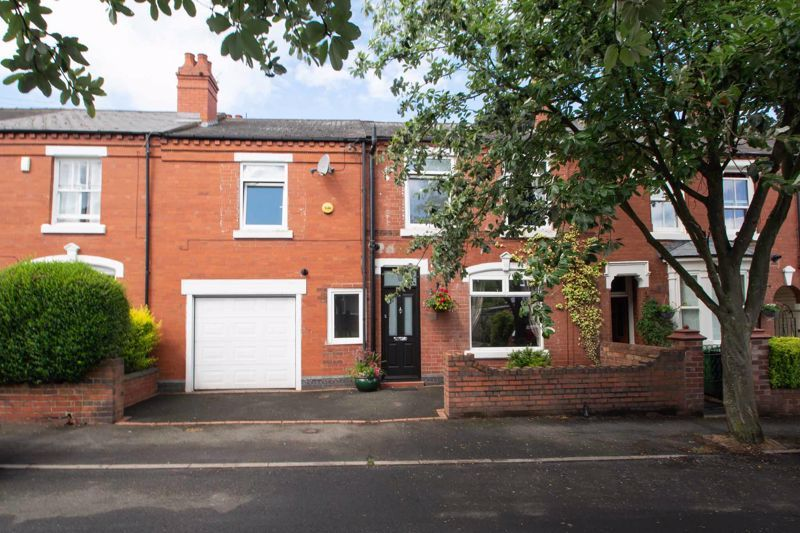 4 bed house for sale in South Avenue 1
