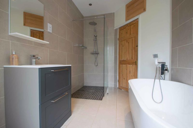 4 bed house for sale in South Avenue  - Property Image 12