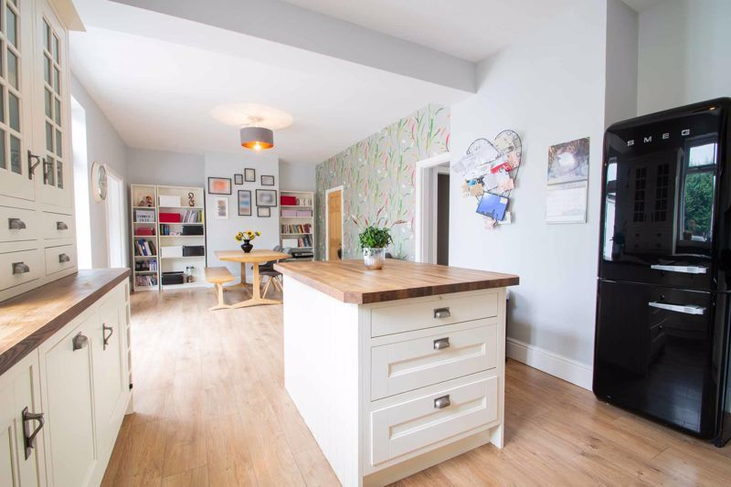 4 bed house for sale in South Avenue 17
