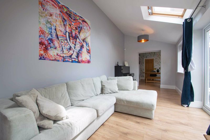 4 bed house for sale in South Avenue 19