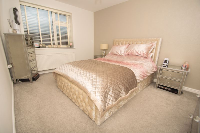 2 bed house for sale in West Road  - Property Image 11