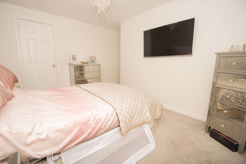 2 bed house for sale in West Road 12