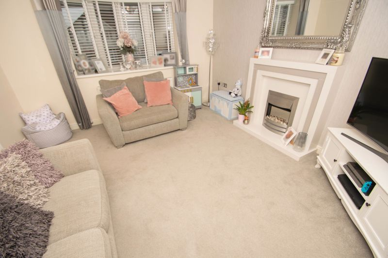 2 bed house for sale in West Road  - Property Image 4