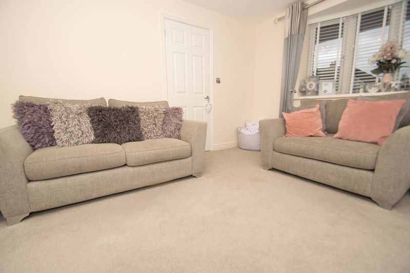 2 bed house for sale in West Road 5