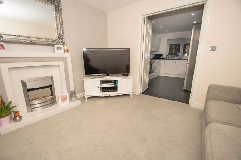 2 bed house for sale in West Road  - Property Image 6