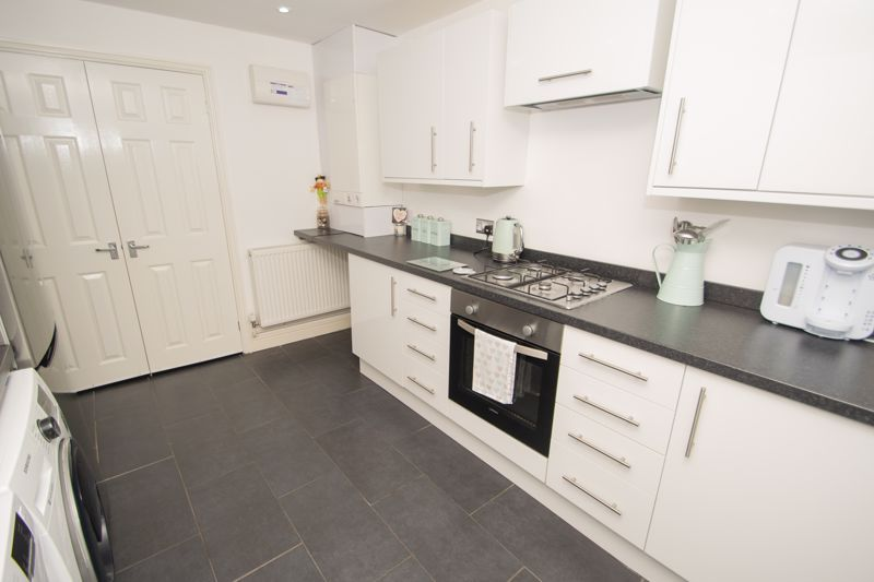 2 bed house for sale in West Road 8