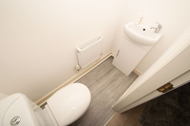 2 bed house for sale in West Road  - Property Image 10