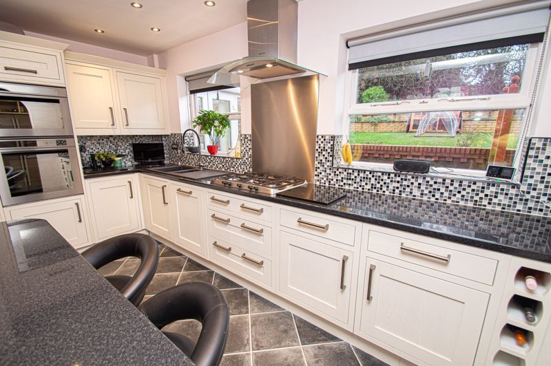 4 bed house for sale in Nine Days Lane  - Property Image 2