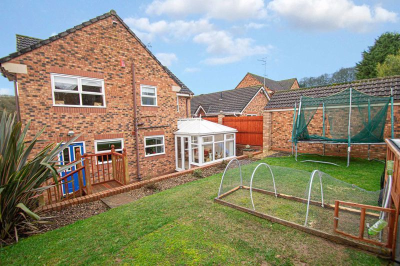 4 bed house for sale in Nine Days Lane 13