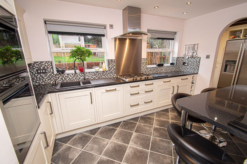 4 bed house for sale in Nine Days Lane 15
