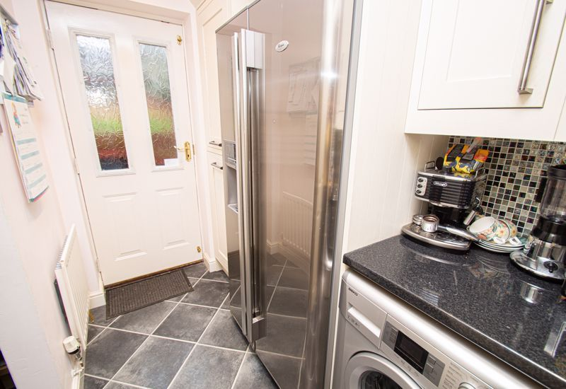 4 bed house for sale in Nine Days Lane 16