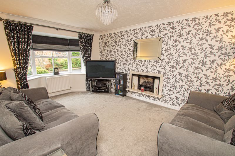 4 bed house for sale in Nine Days Lane 3