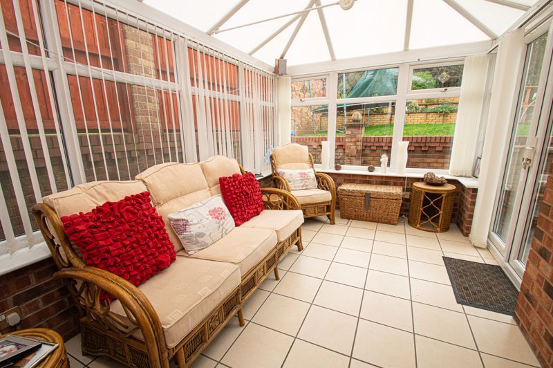 4 bed house for sale in Nine Days Lane 5