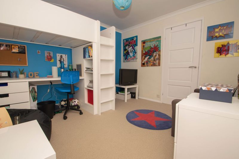 4 bed house for sale in Chawn Park Drive 7