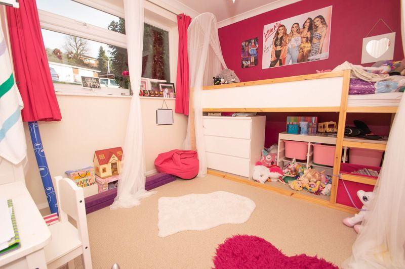 4 bed house for sale in Chawn Park Drive 8