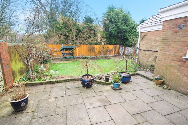 3 bed house for sale in Winchester Drive 12