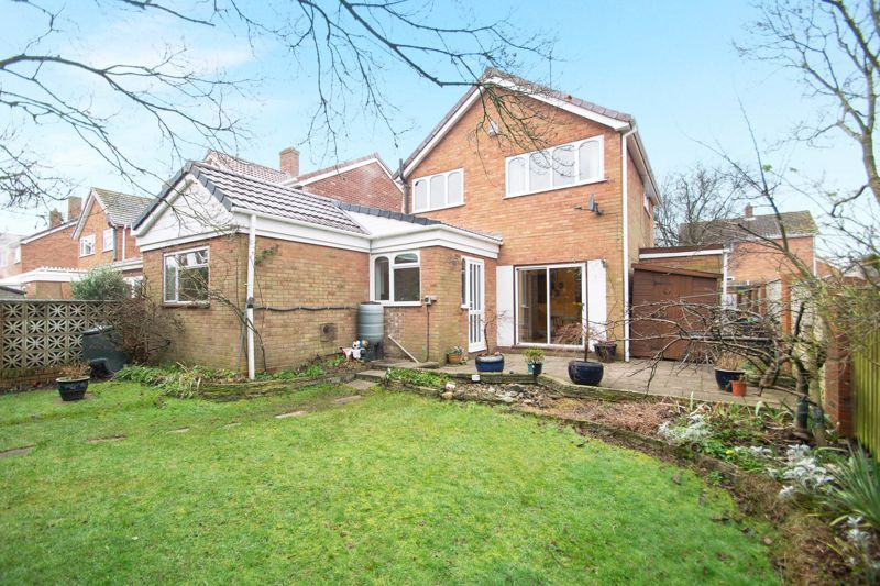 3 bed house for sale in Winchester Drive 13