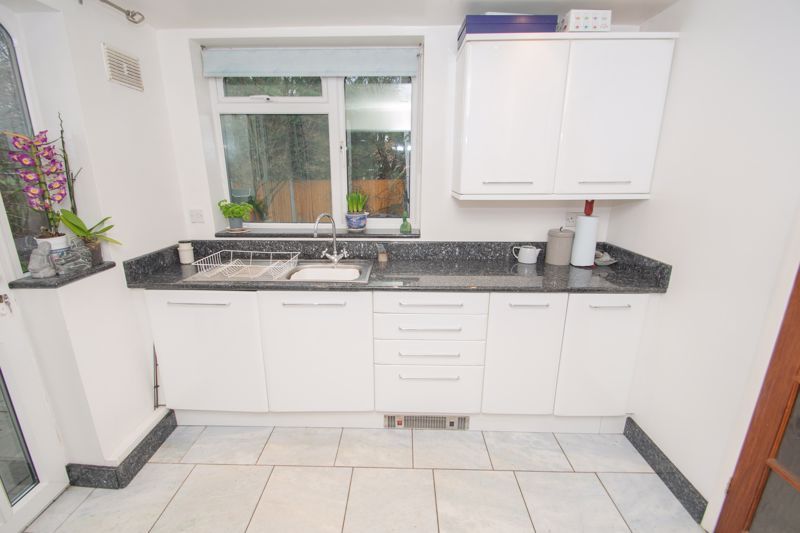 3 bed house for sale in Winchester Drive 3