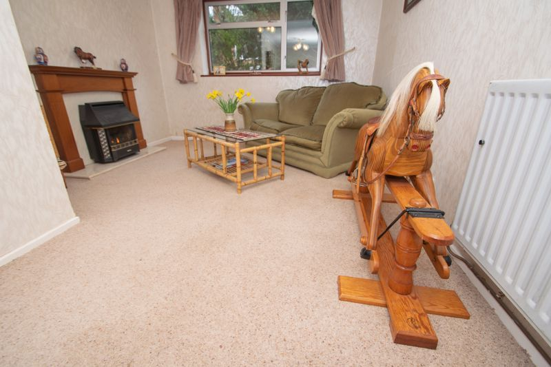 3 bed house for sale in Winchester Drive 6