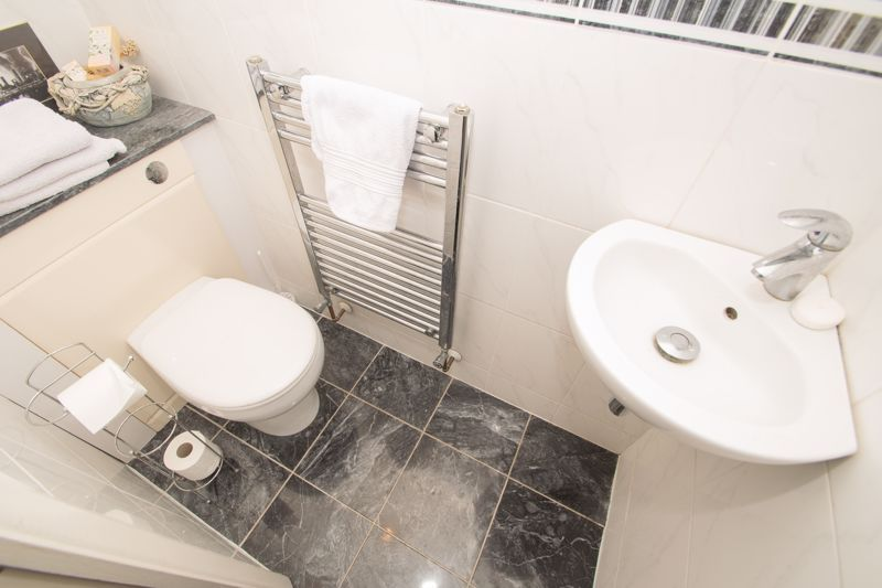3 bed house for sale in Winchester Drive 7