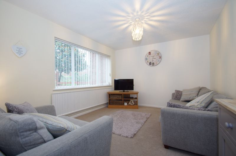 2 bed house for sale in Sandygate Close 2
