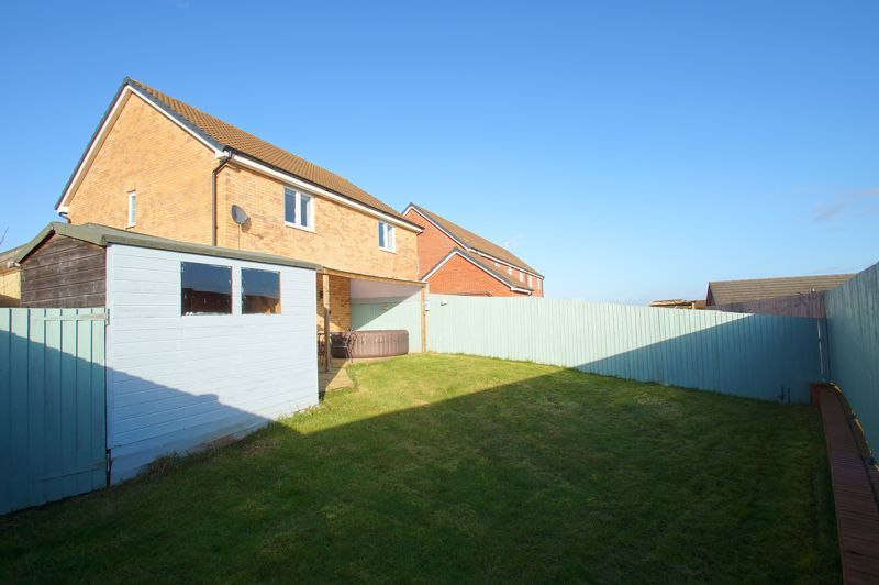 2 bed house for sale in Gretton Close 11