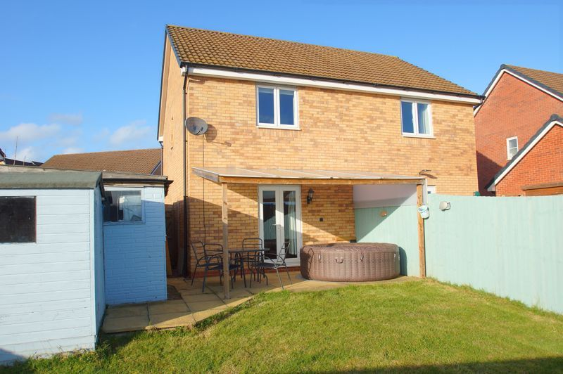 2 bed house for sale in Gretton Close 13