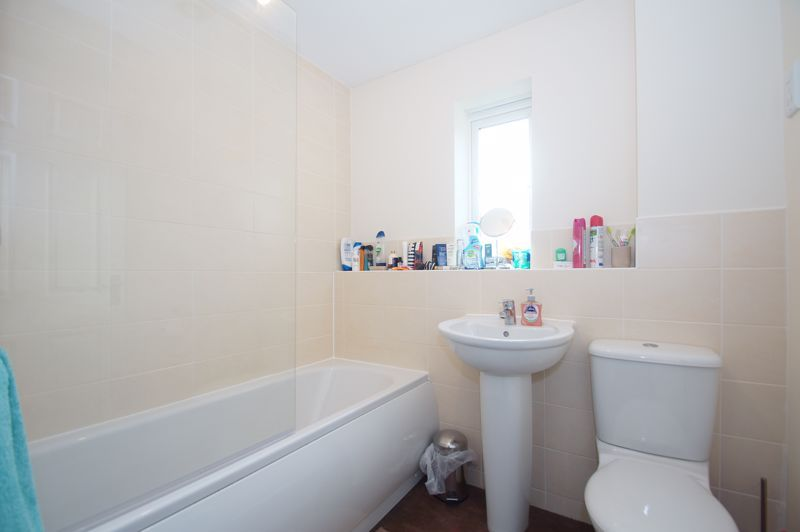 2 bed house for sale in Gretton Close 9