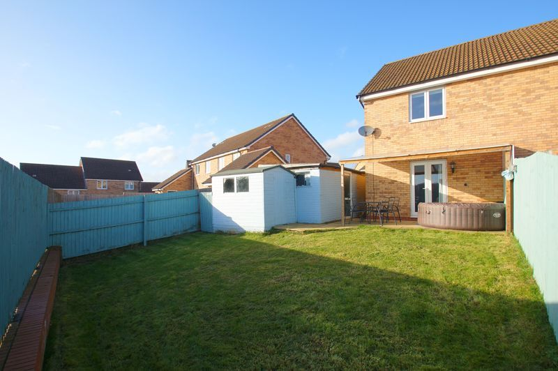 2 bed house for sale in Gretton Close 10