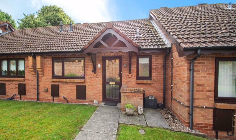 1 bed bungalow for sale in Stourbridge Road - Property Image 1