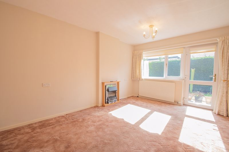 1 bed bungalow for sale in Stourbridge Road  - Property Image 2