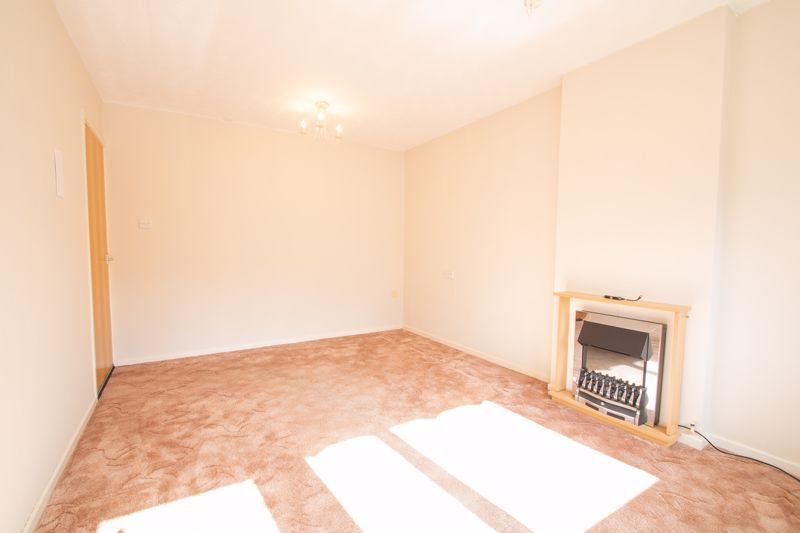 1 bed bungalow for sale in Stourbridge Road 3